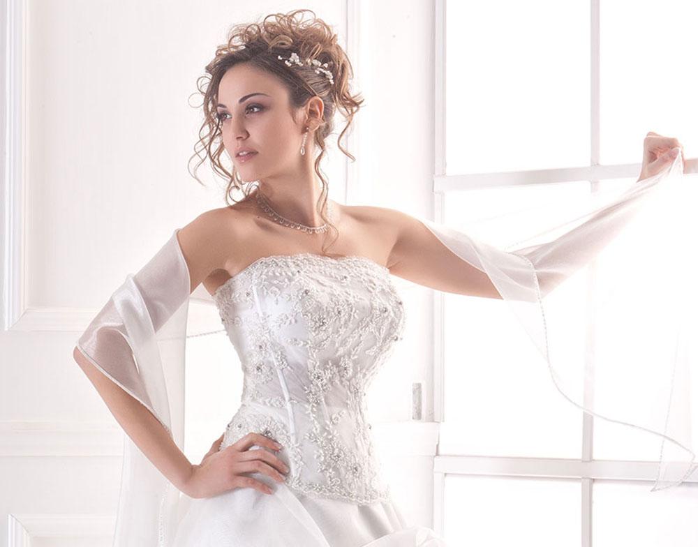 Come scegliere l Abito da Sposa perfetto - Abiti da Sposa Roma ... bdc9ab2d437